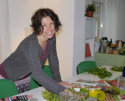 Terminuebersicht froh-leben Katja Friedrich Rohkostzubereitung Kraeuterwanderungen Essbare Wildkraeuter