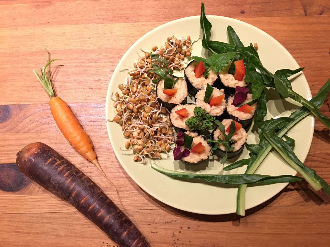 rohkost-sushi-mit-linsen-sprossen-und-rucola-froh-leben